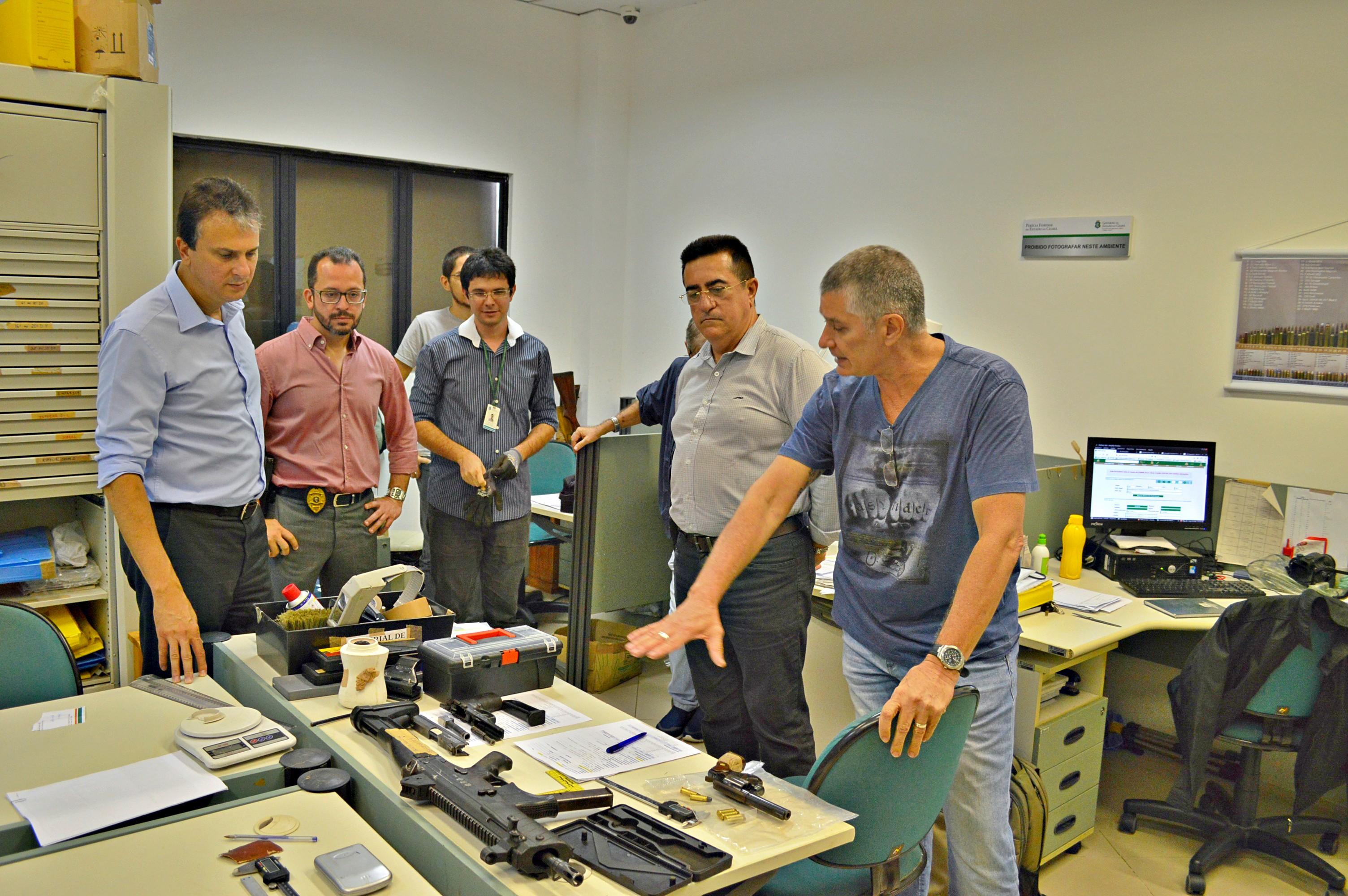 Governador visita instalações da Pefoce em Fortaleza