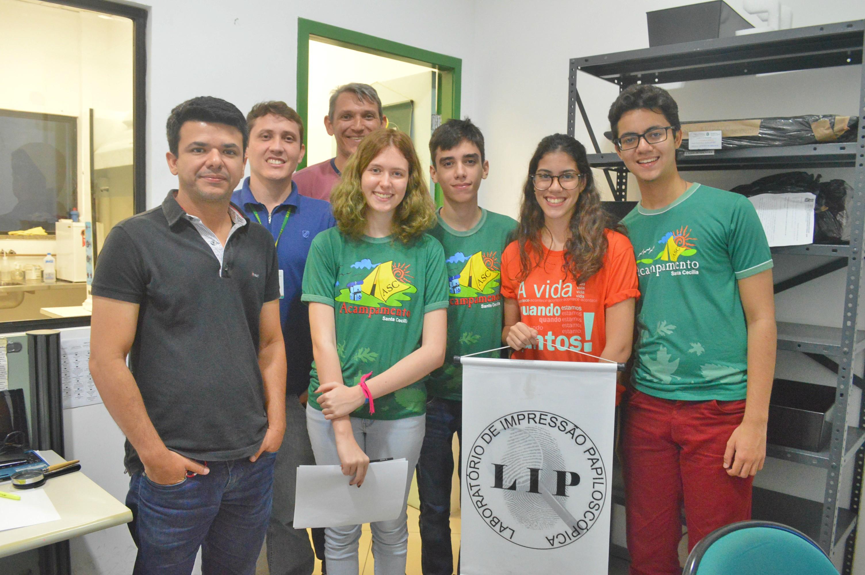 Estudantes visitam sede da Pefoce e conhecem o Laboratório de Impressão Papiloscópica