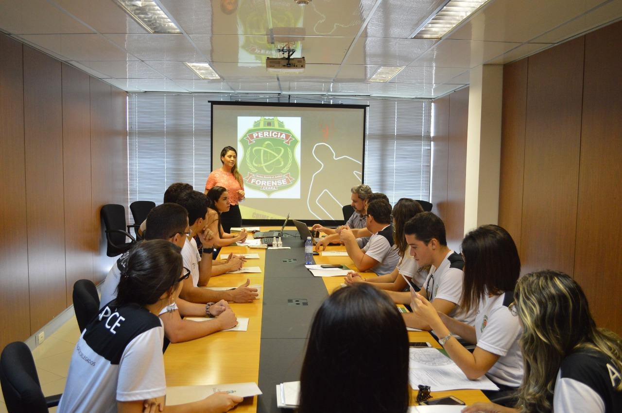 Pefoce recebe 450 alunos do curso de formação de novos inspetores e delegados da Polícia Civil